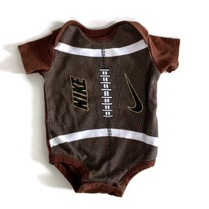 🌱2 for $15🌱 Nike football onesie and hat